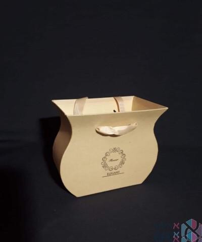 קופסאות לפרחים - אגרטל קטן עם ידיות סאטן בצבע טבעי