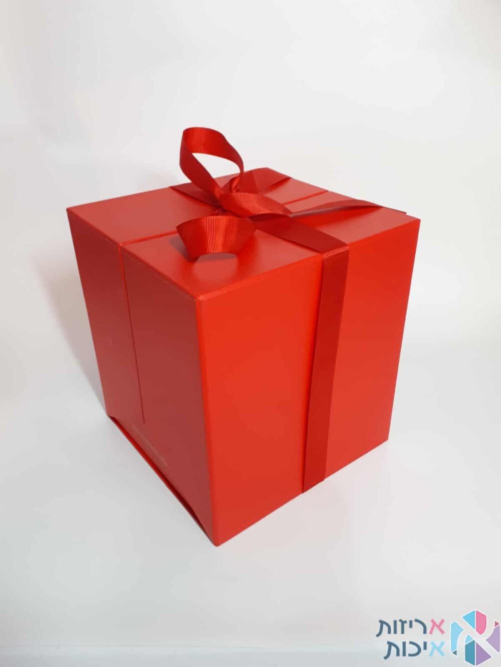 קופסאות לפרחים - קופסאות הפתעה נפתחות קשירת סרט