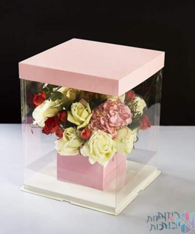 קופסאות לפרחים מרובעות עם פיויסי באמצע